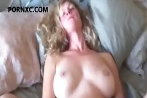 hawt blond aged mommy masturbates in couch