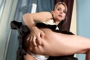 anilos janine copulates herself with a glassy toy