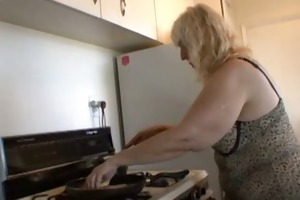 cooking with your unattractive aunt rosa