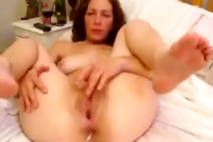 my wife can to be watched while she masturbates.