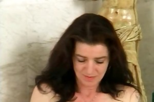 unshaved mature with curly fur pie