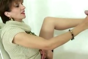 cuckold sees breasty wife engulfing gloryhole