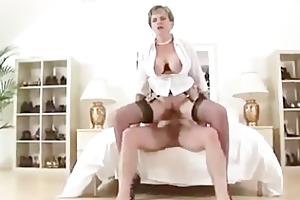 breasty older brit acquires a cumshot