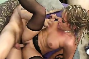 nasty aged kelly leigh shows her concupiscent