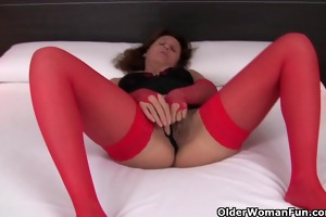 hawt granny in nylons rubs her curly cookie