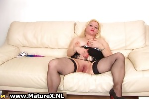 old breasty housewife rubs her love button part5